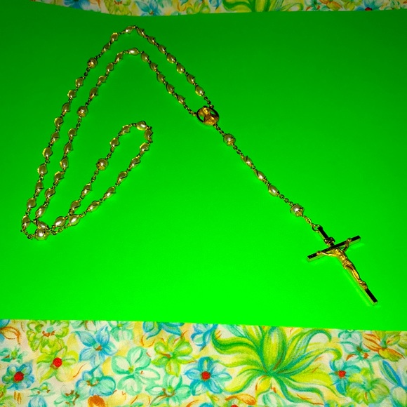 Pearl & goldtone rosary bead necklace